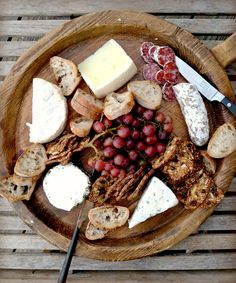 Holiday Entertaining: Perfecting the Cheese Board | TasteFood