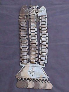platería mapuche Southern Cone, Medical Design, Tribal Jewelry, Ancient Art, Silver, Stuff To Buy, Patagonia, Industrial, Culture