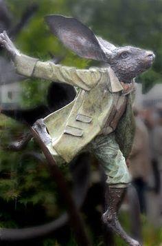 Chelsea Garden Show, Rabbit Sculpture Rabbit Sculpture, Art Sculpture, Garden Sculpture, Angel Sculpture, Metal Sculptures, Garden Statues, Chelsea Garden, Year Of The Rabbit, Rabbit Art