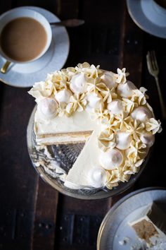 Beautiful layers of Earl Grey flavoured sponge with crispy meringue in the middle all covered in silky smooth Swiss Meringue Buttercream.