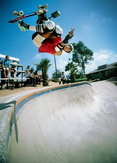 Mike McGill McTwist 540 Skateboarding Photograph - 18 x 24 Inch Eighties Skateboard Photograph - History Of Photography, Water Photography, Skateboard Pictures, Skateboard Art, Old School Skateboards, Skate Photos, Inflatable Kayak, Sup Surf, Sport