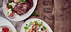 Lihapullat, hummus ja kreikkalainen salaatti | Stockmann Herkku
