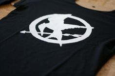 make your own hunger games shirt!