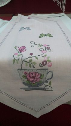 This Pin was discovered by neş Cross Stitch Rose, Cross Stitch Flowers, Cross Stitch Embroidery, Mehndi Designs For Beginners, Free To Use Images, Cross Stitch Kitchen, Cross Stitch Pictures, Diy Crafts Hacks, Bargello