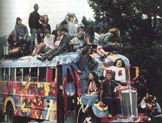 http://www.talesmaze.com/wp-content/uploads/2015/03/hippie-commune-bus.jpg
