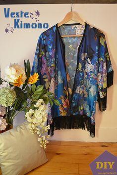 presentation veste kimono diy - auseychelles.fr Kimono Diy, Boho Kimono, Kimono Fashion, Diy Pinterest, Presentation, Couture, Sewing, Outfit, Tops