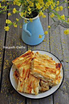 Göçmem Böreği Kırma Börek Tarifi Turkish Recipes, Asian Recipes, Bread Recipes, Cooking Recipes, Savory Pastry, Food Blogs, Mediterranean Recipes, Kitchen Art, Food To Make