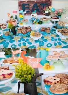 La mesa de postres en una boda no tiene por qué ser elegante / The dessert table at a wedding doesn't have to be elegant