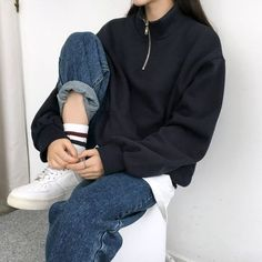 Street Fashion Trends The Raw Straight Cut Jeans Korean Outfits, Mode Outfits, Retro Outfits, Cute Casual Outfits, Vintage Outfits, Fashion Outfits, Grunge Outfits, Modest Fashion, Fasion