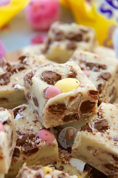 Delicious & scrumptious Mini Egg Fudge that is seriously easy to make at home, no boiling or sugar thermometers involved! So, its less than a Week away till its Easter 2016… so its time for my last few delicious Easter related recipes of the year. I actually find this a little tragic, as I LOVE Easter chocolates such as Mini Eggs & Creme Eggs and it breaks my heart a little that they're going to be off the shelves in less than a week. But anyway, an easy recipe today that even the wor...
