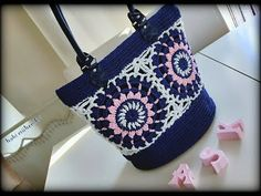 Crochet Handbags, Crochet Bags, Jean Purses, Purses And Bags, Old Jeans Recycle, Mothers Bag, Denim Purse, Recycled Denim, Leather Purses