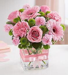 Sweetness Pink and Green Cube Valentine Flower Arrangements, Rose Arrangements, Beautiful Flower Arrangements, Flower Centerpieces, Tall Centerpiece, Centerpiece Wedding, Rose Bouquet Valentines, Pink Rose Bouquet, Pink Roses