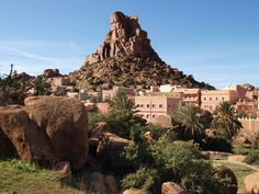The 4 Magnificent Atlas Mountains In Morocco > Itinerance Plus Wonderful Places, Beautiful Places, Destinations, Destination Voyage, Urban Life, Atlas Mountains, Best Cities, Stunning View, Cool Places To Visit