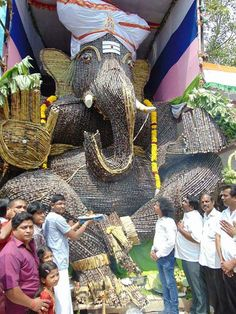 """@tisaiyan: Sweet Ganesha, (made of 2 tons of sugarcane) in Kolathur, Chennai TN. @rvaidya2000 "" Insulin Ganesha:)) RT"