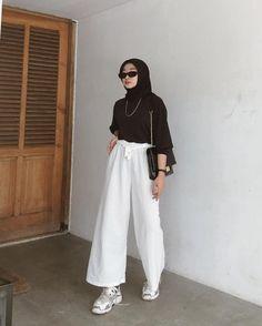Muslim Fashion, Hijab Fashion, Korean Fashion, Fashion Outfits, Casual Hijab Outfit, Ootd Hijab, Casual Outfits, Modest Outfits, Simple Ootd