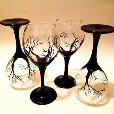 Diy Wine Glasses, Decorated Wine Glasses, Hand Painted Wine Glasses, Sharpie Wine Glasses, Painting On Wine Glasses, Black Wine Glasses, Wine Glass Rack, Wine Glass Set, Wine Glass Designs