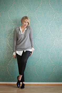 Glam up your Lifestyle : Pullover über Bluse getragen
