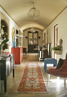India Miller's Hallway extends out from the Foyer with enticing colors and patterns at the 2013 Adamsleigh Showhouse - Traditional Home® Photo: Peter Rymwid House Design, Interior Design, Calm Living Room, House Rooms, Show Home, Interior, Traditional House, Arts And Crafts Interiors, Home Decor