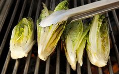 Forget raw salads: Grilled romaine is where it's at! The post How to Make Grilled Romaine—and Why It's the Best Way to Eat Lettuce appeared first on Taste of Home. Kale Avocado Salad, Grilled Romaine Salad, Grilled Fruit, Grilled Chicken Salad, Grilled Peaches, Grilled Vegetables, Burger Side Dishes, Spinach Recipes, Vegetarian Recipes