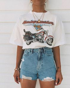 trendy outfits for school . trendy outfits for summer . trendy outfits for women . Vintage Summer Outfits, Classy Summer Outfits, Summer Outfit For Teen Girls, Plus Size Summer Outfit, Cute Casual Outfits, Stylish Outfits, Summer Clothes For Teens, Casual Shorts Outfit, Cute Outfits With Shorts