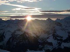 Sonnenaufgang auf dem Stockhorn http://chlydorf-beizli.ch