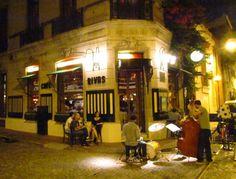 Rivas Café$320$168 Estados Unidos 302 Esq. Balcarce, San Telmo, C.A.B.A. Cocina: Porteña Tel: 4361- 5539