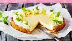 Key lime pie eli limettipiirakka - K-ruoka Key Lime Pie, Key Lime Filling, Graham Cracker Crumbs, Graham Crackers, Lime Uses, Vanilla Biscuits, Pie Kitchen, Slice Of Lime, American Desserts