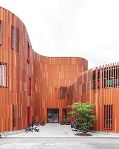 The entrance to Forfatterhuset Kindergarten.⠀  Photo: @coast_studio