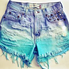 I chose this pair of shorts because my color preferred is the blue furthermore he(it) is very beautiful! I shall take him for me! That is why I put him(it) in my list the color attracted me and in more it is the summer!