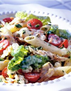 Roasted chicken, penne pasta, tomatoes, carrots, and parsley go well with our Spring Mix.