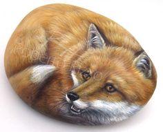 Fox rock art by roberto rizzo painted rocks owls, owl rocks, painted ston. Pebble Painting, Pebble Art, Stone Painting, Painting Art, Painted Rock Animals, Hand Painted Rocks, Painted Stones, Stone Crafts, Rock Crafts