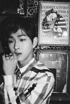 """SHINee releases Onew's teaser photos for """"Dream Girl""""!"""