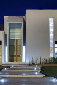 とてもオシャレな玄関アプローチ : [豪邸事例]センスのいい豪邸がこんなにあった - NAVER まとめ