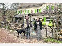 """Die """"Mühle"""" ist die große Leidenschaft von Robby Hirtl (l.), hier zusammen mit Tochter Mascha. Der derzeitige Pächter will den Gasthof kaufen. foto: jürgen bollig"""