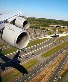 Guess the aircraft! Image Avion, Aviation Careers, International Civil Aviation Organization, Airplane Flying, Airplane Photography, Aircraft Engine, Commercial Aircraft, Air France, Boeing 747