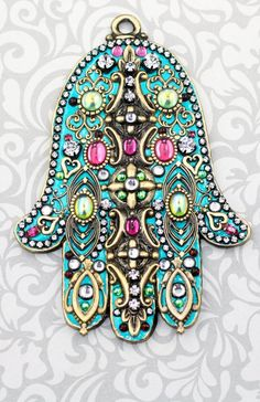 Hamsa or Hand of Fatima is a Middle Easterm amulet to ward off the evil eye Fatima Hand, Turquoise, Hamsa Hand, Messing, Etsy, Swarovski Crystals, Jewelery, Wall Decor, Islamic Art