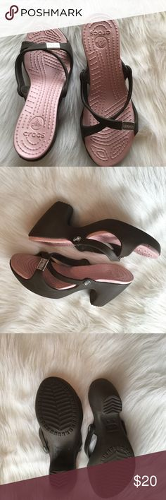 Croc Sandles! Like brand new sandles! Great for summer with dresses or shorts. CROCS Shoes Sandals