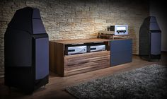 Mono and Stereo High-End Audio Magazine: The Modulum high-end audio Console