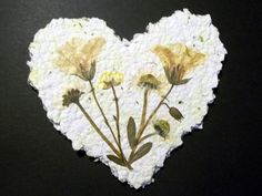 step by step pictorial guide to making paper.and giving me ideas for what to do with my pressed wedding flowers Paper Mache Clay, Paper Mache Crafts, Paper Gifts, Diy Paper, Recycle Paper, Paper Crafting, Seed Paper, Pressed Flower Art, Paper Artwork
