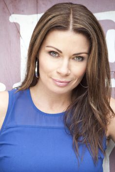 'Coronation Street' Spoiler: Carla Connor To Battle Gambling Addiction, As She Copes With Guilt Of Victoria Court Fire