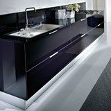 Lacquered linear kitchen