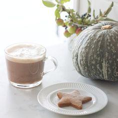 Gingerbread, Squash, Latte Squash Pie, Centre Pieces, Latte, Gingerbread, House Design, Tableware, Instagram Posts, Food, Centerpieces