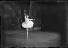 A captivating image from a late 1930s performance of Swan Lake by the Ballets Russes during their Australian tour. #ballet #ballerina #Australia #Russian #1930s #thirties #vintage #dance #Swan_Lake