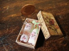 Miniatures dollhouse gift box with items by bagusitalyminiatures