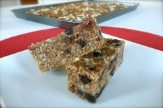 http://thenourishinghome.com/2012/04/the-best-granola-bars/    Soaked grains granola bar recipe. To make fully GF granola recipe must use GF option.