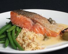 Slow Cooked Succulent Salmon Arborio Rice, Lemon Sauce, Cooking Salmon, Salmon Fillets, Weekly Menu, Vegetable Stock, Greek Recipes, Fish And Seafood, Slow Cooker