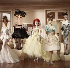 Looking for the Gala Gown Barbie Doll? Immerse yourself in Barbie history by visiting the official Barbie Signature Gallery today! Barbie Style, Barbie Blog, Barbie Website, Barbie And Ken, Barbie Dress, Barbie Clothes, Barbie Barbie, Barbie Vintage, Fashion Royalty Dolls