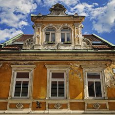 Kamnik, Slovenia  OH how I would love to be involved in the restoration of homes like this...love it!