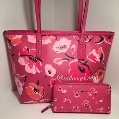 """SET COACH WILDFLOWER CITY TOTE ➺➺➺➺➺➺➺➺➺➺➺➺➺➺➺➺➺➺➺➺➺➺ ❥Color: multi ❥Material: leather ❥Measurment: handbag(12""""-15""""-11""""-5"""") wallet(8""""-4""""-1"""") ❥Real photo  taken from me ❥Brand new✨, never used. 100% authentic from coach ❥Tag and care card are included ❥Pack with careand ship✈️right away ❥Freegiftincluded with purchase $100+ ➺➺➺➺➺➺➺➺➺➺➺➺➺➺➺➺➺➺➺➺➺➺ ❥TRADEP.P.HOLDLOWBALL ❥ COMMENT TO GET EXTRA 15% OFF BEFORE PURCHASE ❥REASONABLE OFFERS WILL BE ACCEPTED. ☟Follow me on IG☟      @hanie.junie Coach…"""