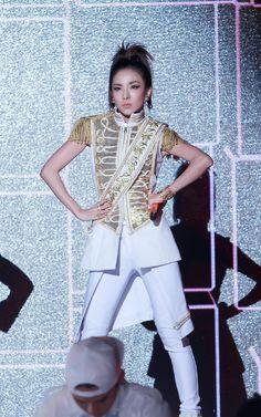 2014: Sandara Park 2NE1 SBS Gayo Daejun